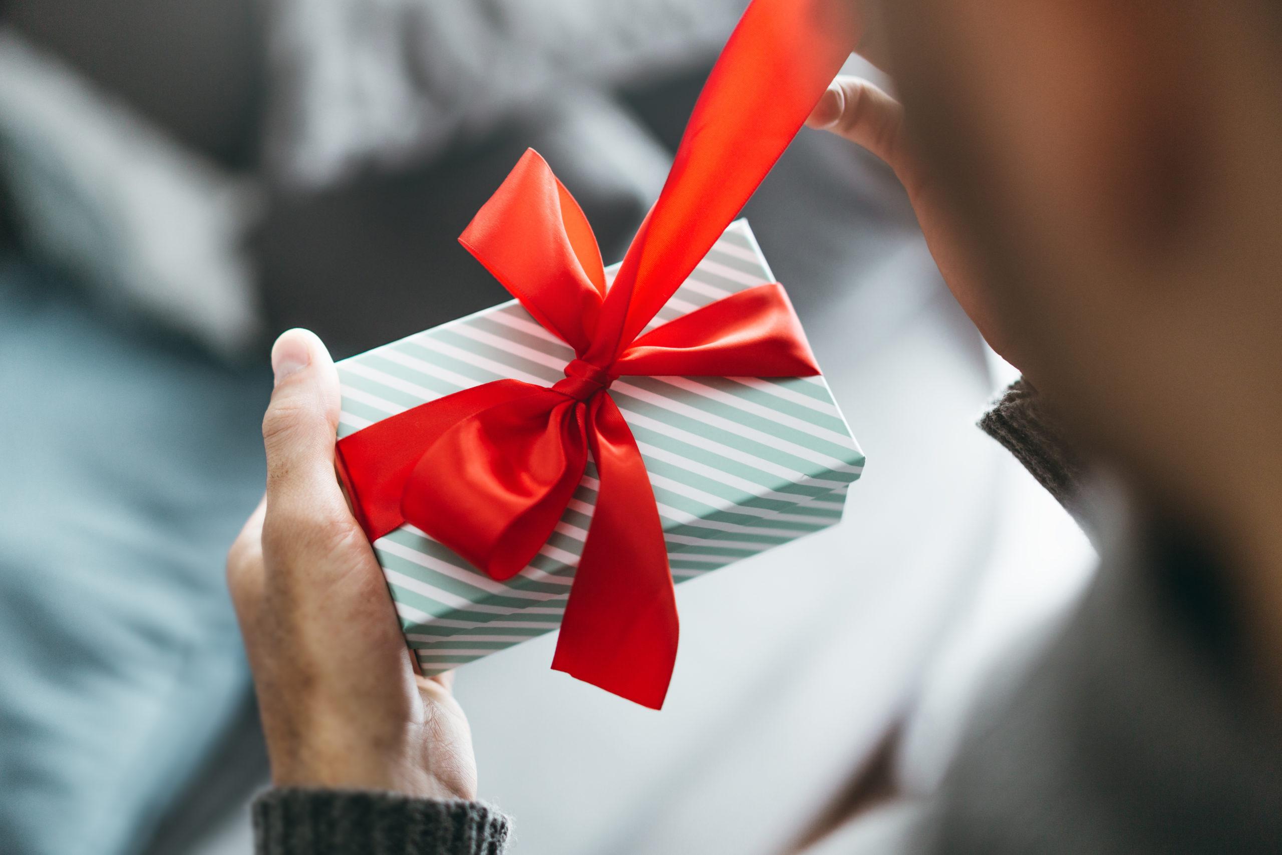 50代男性へのお手軽プレゼントにおすすめな靴下ブランド5選